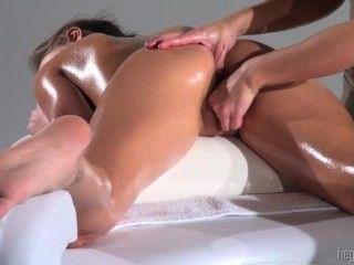 Hegre अत्याधुनिक तिपतिया घास - अनगिनत orgasms मालिश