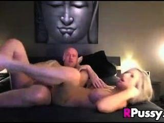 सेक्सी गोरा गड़बड़ हो जाता है