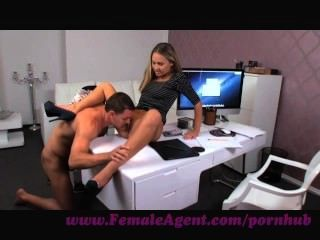 महिला एजेंट।धूम्रपान गर्म नई महिला एजेंट seducees संवर्धन