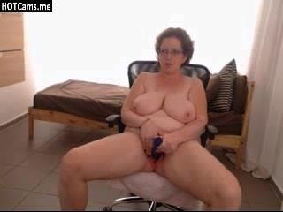 बड़े स्तन परिपक्व Dildoing