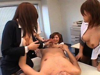 पीओवी fivesome कार्यालय लड़कियों