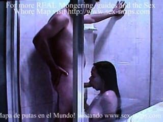 गंदी एशियाई वेश्या एक अश्लील किया जा रहा प्यार करता है