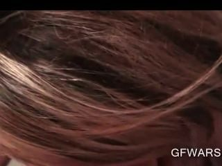 sassy गोरा किशोरों की पूर्व GF योनी पीओवी में छेड़ा blowjob देता है