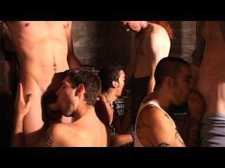 समलैंगिक Bukkake पार्टी - दृश्य 1