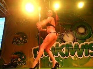 सारा mykiwis पर सेक्स शो Feda 2013 में खड़े हो सकते हैं viciosillos.com द्वारा
