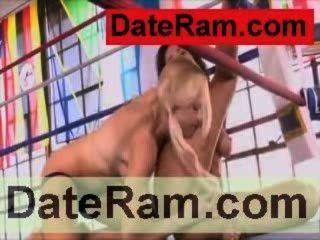 कामुक लड़की कामुक हिला महिला किशोरों की लड़की वीडियो चुंबन समलैंगिकों