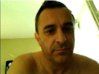 पुरानी फ्रांसीसी पुरुष कैम पर डिक दिखा में धोखा