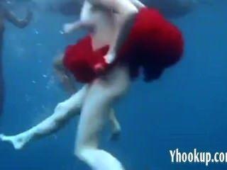 3 लड़कियों समुद्र अच्छा में अलग करना - yhookup ग