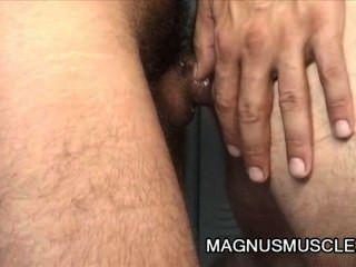 ईसाई वोल्ट और टॉम बछेड़ा - बालों परिपक्व पुरुषों लॉकर कमरे सेक्स