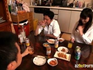 सुंदर पत्नी haruoka Chisato पागल हो गया था