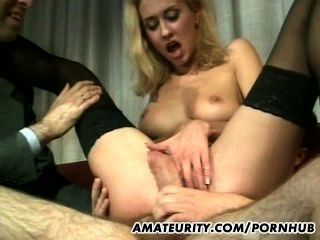 चेहरे शॉट्स के साथ शौकिया प्रेमिका गुदा समूह सेक्स
