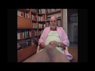 किंकी tranny उनकी पत्नी द्वारा फिल्माया जबकि Masturbating