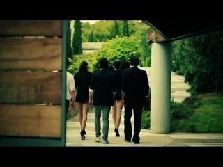 मार्की और जेसिका डी करतब।जिमी डब - beso (आधिकारिक वीडियो)।
