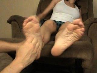 पीओवी मेरे पैर गुदगुदी