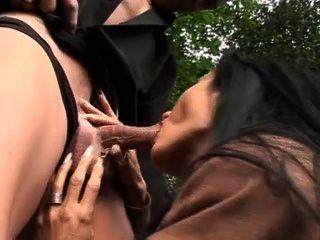 बेशर्म वेश्या सिडनी कंडोम के बिना नकदी के लिए fucks