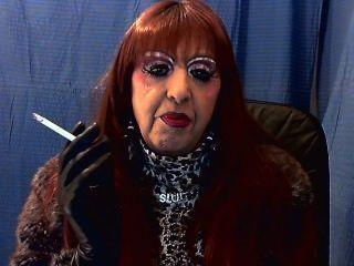धूम्रपान tranny वेश्या