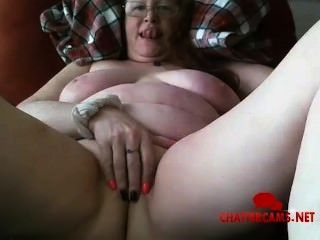 रेड इंडियन Saggy स्तन दादी हस्तमैथुन