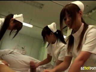 भद्दा एशियाई नर्सों आप का ख्याल रखना होगा