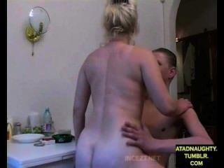 सौतेली माँ और कदम बेटा पिता से बाहर है, जबकि बकवास (विदेशी) atadnaughty.tumblr.com