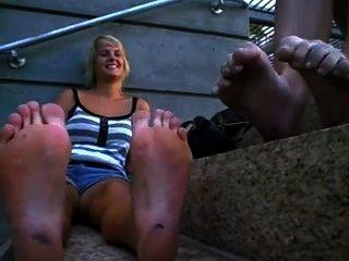 गंदा बदबूदार पैर
