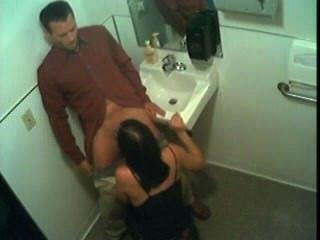 een openbaar शौचालय में सेक्स