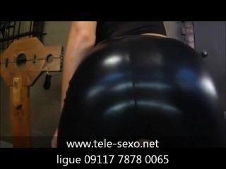 Mulher कामुक de roupas डी लेटेक्स pretas tele-sexo.net 09117 7878 0065