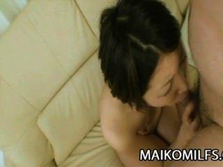 ईएमआई Ishibashi: मुर्गा भूख जापान माँ