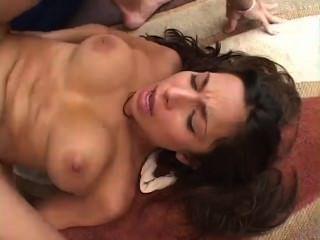 [420] सेक्सी टिफ़नी टेलर उसे गंजा बिल्ली और चेहरे में गड़बड़