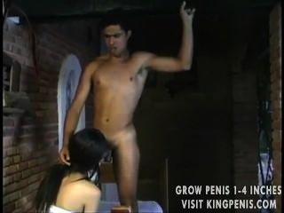 लैटिन पुरुष Tranny बेकार