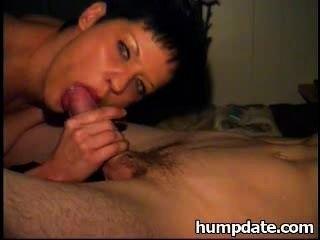 सेक्सी पत्नी अच्छा blowjob देता है
