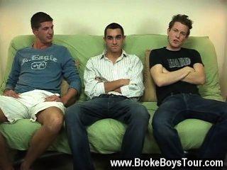 गर्म समलैंगिक दृश्य के रूप में वे अपने stiffys पंप और मिल बंद करने के लिए निकल, यह एक था