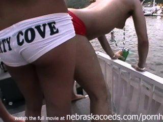 ozarks मो जनता पार्टी के कोव झील में असली यादृच्छिक पार्टी लड़कियों के नग्न