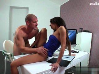 बड़े स्तन मॉडल संभोग