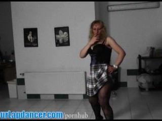 वास्तविक चेक एमआईएलए द्वारा Lapdance