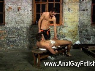 पाइप मज़ा के इस सत्र के लिए समलैंगिक एरोटिक वह सुंदर है और