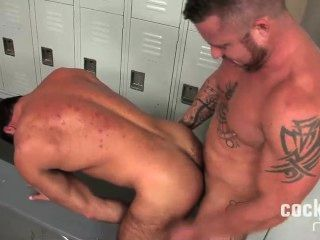सबसे सेक्सी भालू यह कच्चा हो जाता है