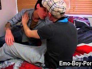 सेक्सी समलैंगिक कामुक Chav बालक सिंह Foxx बर्बाद करने के लिए जब वह भावनाएं मिलता है कोई समय नहीं है