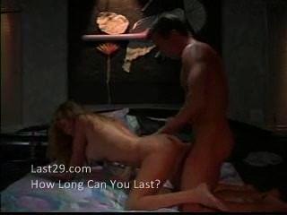 सेक्सी फूहड़ सोफे पर गड़बड़