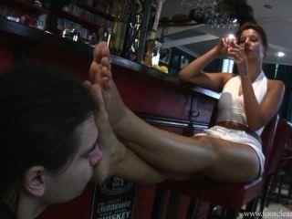 देवी विक्टोरिया एफसीसी-स्वादिष्ट नमकीन और पैरों