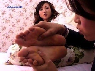 पैर की पूजा 15 - सुंदर चीनी लड़कियों