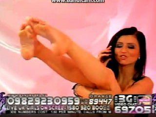 लिली रोमा पैर - थोड़ा चाटना