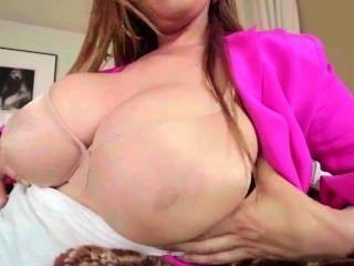 केडी - सरासर नंगा ब्रा