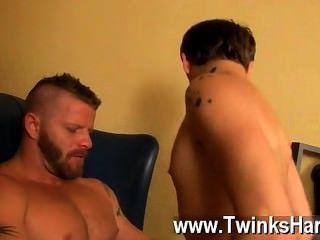 समलैंगिक वीडियो Ryker मैडिसन अनजाने में ऋण शार्क जेरेमी स्टीवंस वापस लाता है