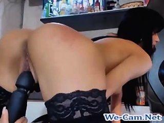 श्यामला सेक्सी त्वचा निभाता खिलौने वेब कैमरा चैट रहते हैं