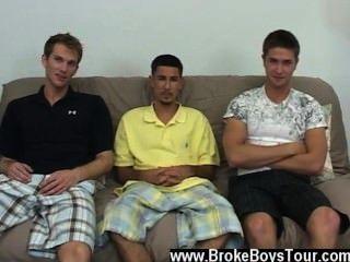 के बाद कुछ ही मिनटों में यह स्पष्ट था कि वे समलैंगिक फिल्म के लिए तैयार कर रहे थे