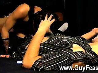 सेक्सी समलैंगिक इस चलचित्र संगठनों के साथ एक अजीब सा है, लेकिन यह एक पोशाक था