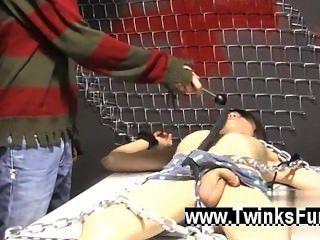 समलैंगिक सेक्स रॉक्सी लाल एक मेज पर तंगी जाग और रयान Conners उसकी लेता है