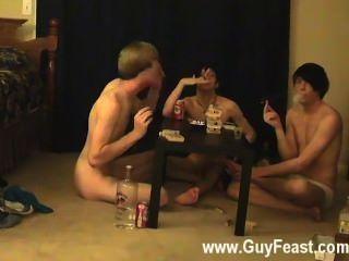 इस के समलैंगिक क्लिप के लिए आप दृश्यरतिक प्रकार की तरह है जो एक लंबा वीडियो है