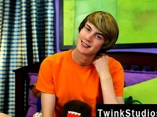 एलिय्याह सफेद रंग की एक और समलैंगिक फिल्म फ्लोरिडा देशी Twink है, वह भेजा गया