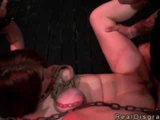 जंजीर Busty रेड इंडियन गड़बड़